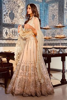 Indian Fashion Dresses, Indian Bridal Outfits, Indian Gowns Dresses, Indian Bridal Fashion, Dress Indian Style, Indian Designer Outfits, Indian Wedding Clothes, Indian Designers, Pakistani Wedding Outfits
