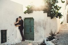 home - Wedding Photographer in Santorini, Mykonos, Athens and Destinations, Greek Islands, Dubai, Italy, France...[:fr]Photographe mariage Santorin, Mykonos, Athènes et destinations, îles grecques, France, Provence, Paris, Dubai, Italie