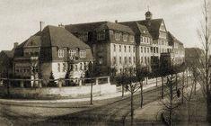 Klinika położncza (Staatliche Frauenklinik) przy ul. Klinicznej (Schellmühler Weg). Danzig, Krakow, Poland, Louvre, History, City, Building, Travel, Construction
