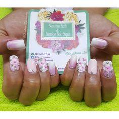 Conócenos, síguenos, compártenos... f/ Sunshine Nails & Lounge Boutique @Diana Leemoon #Uñas #UñasAcrílicas #Nails #Flores #NailArt #DianaLeemoon