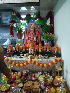 Varalakshmi Vratham 2019 honours the most popular Goddess Maha Lakshmi. Varalakshmi Puja or homam on this day means abundant wealth is sure to come your way. Diwali Decorations, Indian Wedding Decorations, Festival Decorations, Silver Pooja Items, Hanuman Images, Flower Rangoli, Temple Design, Puja Room, Easy Cake Decorating