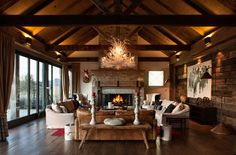 Love this! Traditional style, dark wood, so cosy looking! Otago, New Zealand - Sumich Chaplin Architects