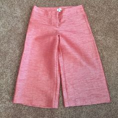 """New Cache Shiny Gaucho Cropped Pants Size 2 NWOT New Cache Shiny Gaucho Cropped Pants Size 2 NWOT Waist 28"""" Length 18"""" Rise 6 1/2"""" NWOT Cache Pants Ankle & Cropped"""