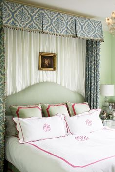 reconciling my love of canopy beds with the bed i already own, Bailey Quin McCarthy, Chicago House, Clifford -- The Big Red House