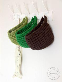 spiral crochet baskets - big ribbon - Katia yarn. Hanging crochet basket