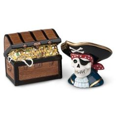 Skull Salt And Pepper Shakers: Pirate And Treasure Chest Ahoy Matey, Salt And Pepper Set, Salt Pepper Shakers, Treasure Chest, Skull, Halloween, Skulls, Sugar Skull, Spooky Halloween