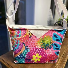 Sofy Colombo sur Instagram: Un sac pour attendre le printemps 🌺 #handmade #sacotin #sacôtin #sacotinaddict #sacotinmambo #couture #coutureaddict