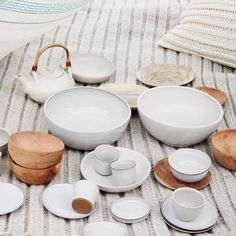 Our Sukha ceramics family is just the right blend of simplicity and pureness. And they make a perfect combination with our wooden bowls and plates. Want to start your own family? Check out our website or drop by in our flagship store.