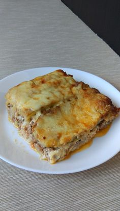 Romanian Food, Lchf, Lasagna, Quiche, Zucchini, Food And Drink, Low Carb, Breakfast, Health
