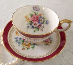 Crown Staffordshire Fine Bone China Tea Cup di NicerThanNewVintage