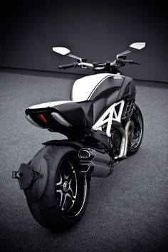 Ducati Diavel AMG Special Edition.