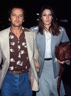 Jack Nicholson and Anjelica Huston Were The Coolest Couple Of The And Jack Nicholson, Celebrity Couples, Celebrity Style, John Huston, Anjelica Huston, Sixties Fashion, Men's Fashion, Fashion Trends, Famous Couples