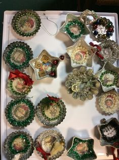 Old-fashioned tree jumble and then determine discover the trendy about vintage. Vintage Christmas Crafts, Retro Christmas Decorations, Christmas Crafts To Make, Christmas Ornament Crafts, Primitive Christmas, Vintage Ornaments, Christmas Art, Christmas Projects, Victorian Christmas Ornaments