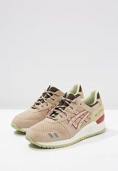 Zeig dich von deiner sportlichen Seite! ASICS GEL-LYTE III - Sneaker low - sand für 124,95 € (29.04.16) versandkostenfrei bei Zalando bestellen.