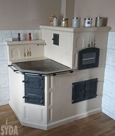 Küchen Design, Design Case, House Design, Diy Furniture Flip, Kitchen Furniture, Pizza Oven Outdoor, Vintage Stoves, Cooking Stove, Cottage Plan