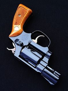 Smith And Wesson Revolvers, Smith N Wesson, Detective Movies, Colt Python, Survival Tools, Rifles, Good Old, Stuffing, Airsoft