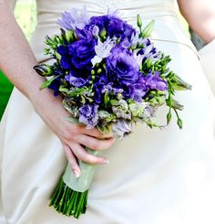 Google Image Result for http://www.flower-arrangement-advisor.com/images/blue_anemone_bouquet.jpg