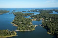 Pellinki is an island community in Porvoo made up of several small islands, the main ones linked by bridges. Finland Trip, Tove Jansson, Small Island, Archipelago, Bridges, Islands, Maine, Places To Go, Community