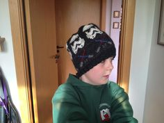 Star Wars hat. Yarn: Sandnes Smart. Pattern http://www.knitting-and.com/knitting/patterns/charts/starwars.htm