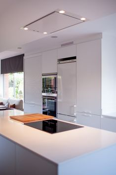 Paint Ideas For Kitchen Walls is totally important for your home. Whether you pick the Kitchen Soffit Decorating Ideas or Painting Ideas For Walls Kitchen, you will make the best Decorating Ideas For The Kitchen Walls for your own life. Kitchen Soffit, Kitchen Dining, Kitchen Island, Kitchen Decor, Kitchen Walls, Future House, Small Kitchens, Paint Ideas, Design