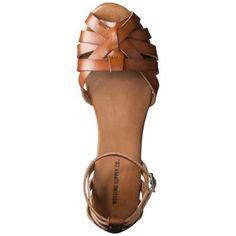 I've been seeing sandals like this at Nordstrom Rack, really want to get a pair.