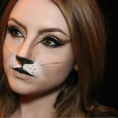 Simple cat makeup ideas for Halloween- Purrfect! Simple cat makeup ideas for Halloween This cat makeup is my absolute favorite! Really great look for a family-friendly Halloween party. Cat Costume Makeup, Cat Face Makeup, Lion Makeup, Bunny Makeup, Wolf Makeup, Cat Halloween Makeup, Animal Makeup, Halloween Makeup Looks, Halloween Kids
