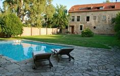 Metohi Kindelis, Chania Creete This beautiful stone farmhouse dates back to the late-Venetian period. This,and a neighboring building have now been restored into three independent apartments, each with a private pool, patio and garden. Fridges are stocked with fresh produce, grown on the estate, Provisions for breakfast, as well as wine, coffee and other delicacies, all included. Regular cooking sessions provide guests with a hands-on insight into local cuisine.