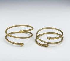 OXUS TREASURE - Gold armlet or torc. Achaemenid 5thC BC-4thC BC. © The Trustees of the British Museum | The Oxus treasure is a collection of about 180 surviving pieces of metalwork in gold and silver, the majority rather small, plus perhaps about 200 coins, from the Achaemenid Persian period which were found by the Oxus river about 1877-1880.