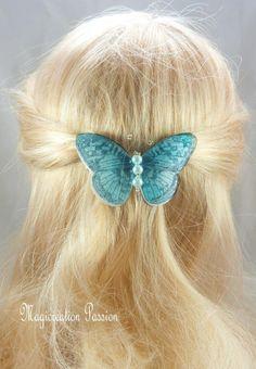 Barrette française 6 cm papillon 3d blanc et turquoise - Un grand marché Barrettes, Turquoise, 3d, Accessories, Hairdos, Black Pattern, Papillons, White People, Ornament