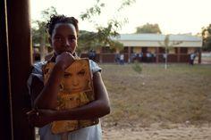 """Proyecto """"Aulas para la libertad"""" con la organización PROYDE en #Mozambique. Sobre la importancia de la #Educación / www.albertopla.com - info@albertopla.com  #cooperación #fotografía #documental #ong Fashion Backpack, Backpacks, Bags, Documentary Photography, Documentaries, Political Freedom, Fotografia, Handbags, Backpack"""