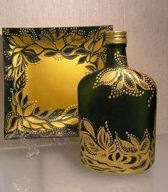 Julia Levashova -puntillismo, dot to dot art Glass Bottle Crafts, Wine Bottle Art, Painted Wine Bottles, Diy Bottle, Painted Wine Glasses, Bottles And Jars, Glass Bottles, Altered Bottles, Bottle Painting