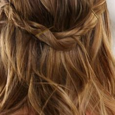A gorgeous day-to-night hairstyle