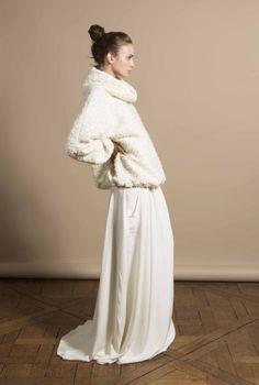 Noivas quentinhas - blusa quente com gola por Delphine Manivet #casarcomgosto