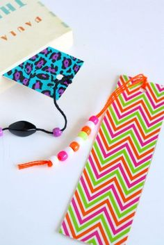 DIY Duct Tape Homemade Bookmarks: Easy Gifts Kids Can Make - also fun party activity Crafts To Do, Crafts For Kids, Arts And Crafts, Paper Crafts, Diy Crafts, Teen Crafts, Simple Crafts, Creative Crafts, Fall Crafts