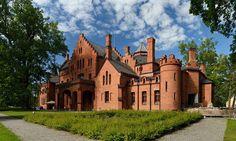 En Estonie, le château néogothique de Sangaste.