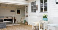 Vi tegner og setter opp et skreddersydd terrasse og uteplass tilpasset din… Outdoor Lounge, Outdoor Rooms, Outdoor Gardens, Outdoor Living, Outdoor Decor, Outdoor Projects, Home Projects, Porch Decorating, Interior Decorating