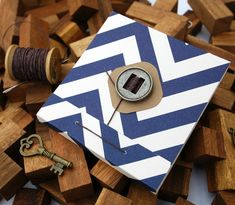 Sew a Stylish Matchbook-Style Notepad – Crafts & DIY – Tuts+ Tutorials Diy Arts And Crafts, Fun Crafts, Paper Crafts, Handmade Books, Handmade Crafts, Handmade Headbands, Handmade Journals, Handmade Rugs, Mini Albums
