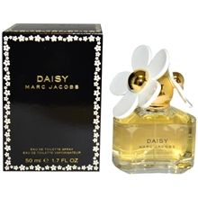 Daisy by Marc Jacobs Eau de Toilette Women's Spray Perfume - fl oz Marc Jacobs Daisy, Inexpensive Christmas Gifts, Christmas Gifts For Her, Cheap Perfume, Perfume Bottles, Walgreens Photo Coupon, Gifts For Teens, Fragrance, Stores
