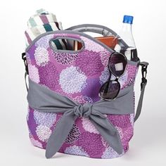 Insulated Beach Tote : $19.99 + Free S/H (reg. $29.99) http://www.mybargainbuddy.com/insulated-beach-tote-19-99-free-sh