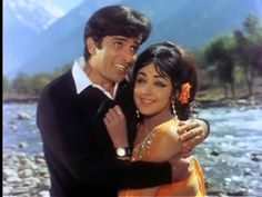 Shashi Kapoor with Hema Malini in Abhinetri.