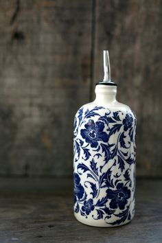 Blue flowers  Olive oil bottle  Bouteille por ArtetManufacture