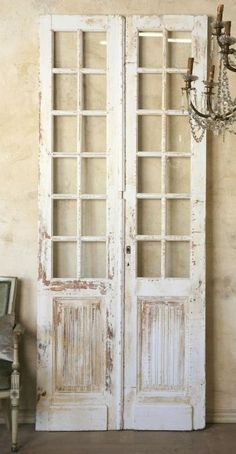Shabby Chic Decor idea 5065760947 - Creatively shabby images to build a shabby but charming shabby chic home decor rustic . The fantabulous ideas pinned on this not so shabby day 20191023 French Country Rug, French Country Decorating, Rustic French, Rustic Chic, Vintage Doors, Shabby Vintage, Antique Doors, Vintage Style, Shabby Chic Furniture