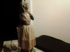 Valencian girl with shawl