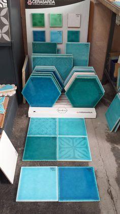 Southern Tiles: Floortiles 2020 cm from Sardinia www.de Home Deco Floortiles painted floor tiles bathroom Sardinia Southern Tiles wwwsoutherntilesde
