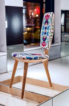 #lana #dumitru #lanadumitru #digitalprint Royal Oak, Bucharest, Rustic Furniture, Romania, Lana, Folk Art, Digital Prints, Art Deco, Chairs