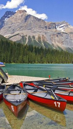 Emerald Lake, Yoho National Park, British Columbia, Canada**.