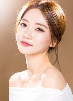 Bride Makeup Natural, Korean Natural Makeup, Korean Makeup Look, Korean Make Up Natural, Beauty Makeup, Hair Makeup, Hair Beauty, Korean Wedding Makeup, Hd Make Up
