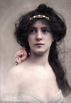 První supermodelka Evelyn Nesbit na snímku z roku 1902.