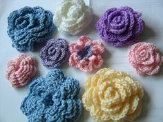 crochet flowers montage!    What better way to use up scrap yarn than to crochet up some flowers. I reckon these can be used as brooches or hair pins or bag decorations, etc... So versatile : )