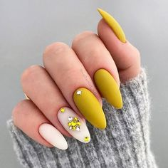 Matte Nails Design With Crystals Accent – You are in the right place about almond nails autumn Here we offer you the most beautiful pictures about the cute almond nails you are looking for. When you examine the Matte Nails Design With Crystals Accent – … Nail Design Glitter, Nail Design Spring, Gel Nail Art, Gel Nails, Acrylic Nails, Stiletto Nails, Nail Polish, Cute Almond Nails, Matt Nails